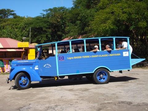Le vieux bus de 1936 . Photo J.J. Coudiere