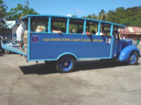 Le vieil autobus de Max Téjou