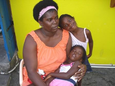 Maman tendresse, une belle image de Bouillante