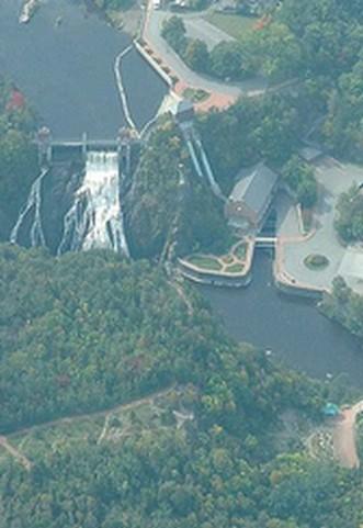 Wikimédia Commons, barrage de la rivière au loup, bas Saint Laurent
