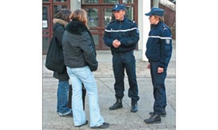 www.haute-loire.pref.gouv.fr/.../gendarme2.jpg