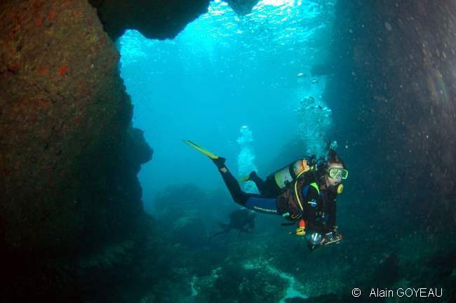 La Grotte Amédien vers la Vigie