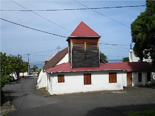 les murs de l'église Saint louis, liés à l'histoire de la commune de Bouillante
