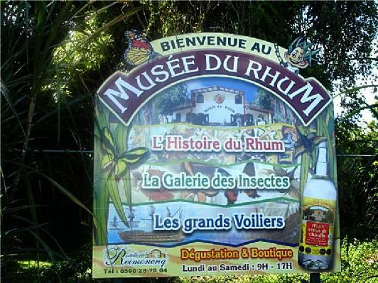 sainte Rose-Superbe panneau, indiquant le musée