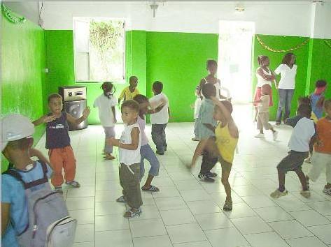 Les enfants du CLSH qui dansent