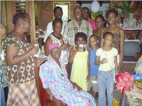 Tante Dogo et les enfants de sa famille