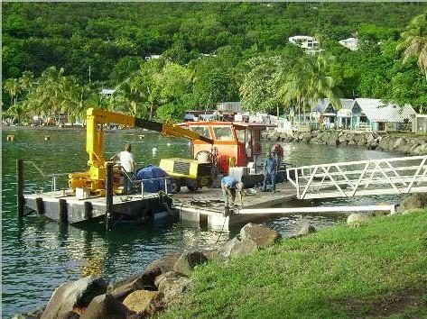 Les travaux d'installation du ponton fottant