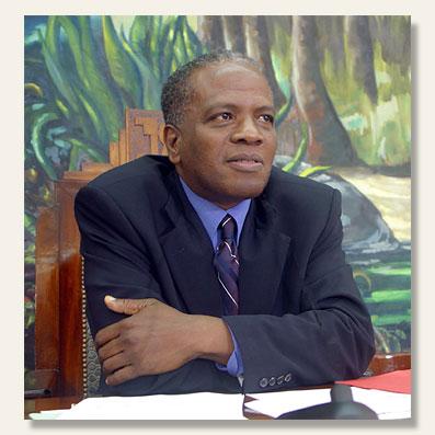Jacques GILLOT pour la troisième fois président du Conseil Général de Guadeloupe.