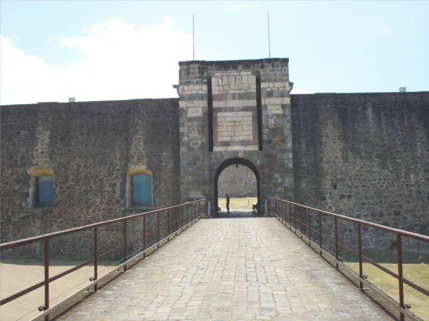 La poterne du fort Louis DELGRES. Photo Atout-Guadeloupe
