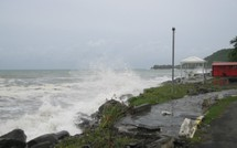 Dernières photos de Bouillante pendant le cyclone Earl