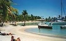 La plage de Sainte Anne retrouve la paix , pour la plus grande satisfaction des touristes!
