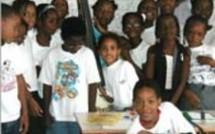 la commune de Port Louis reçois des écoliers de Lasserre!