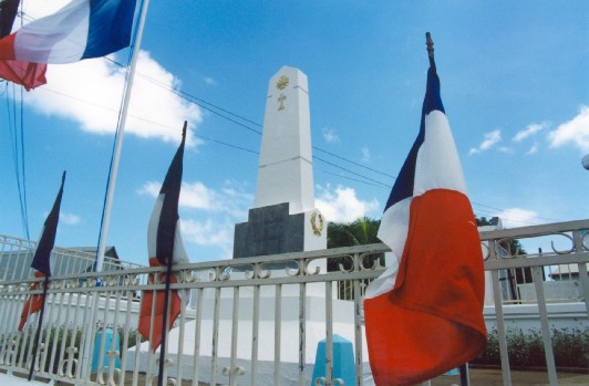 Commune Sainte Rose-Monument